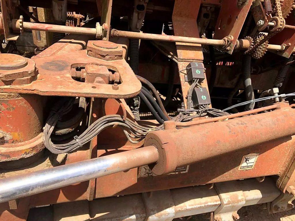Apache 9000 S II para Reparar con Alfalfero y Fertilizante